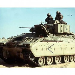 Танк M2 Bradley Infantry Fighting Vehicle